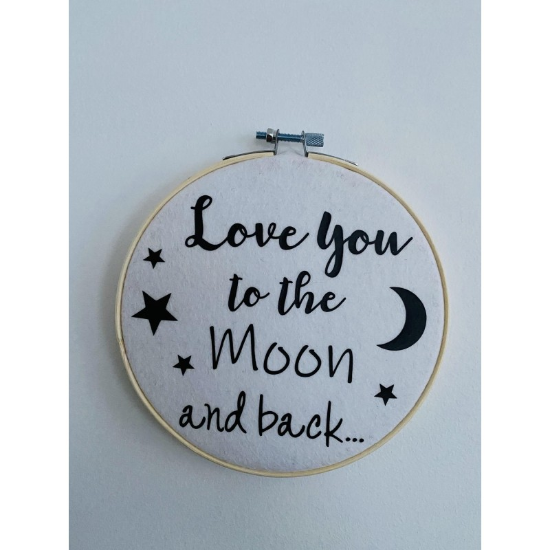 Muurhanger wit Love you to the Moon..... -€9,95