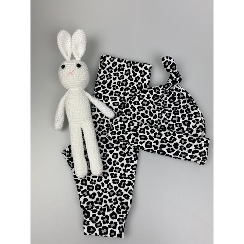 Newborn setje Leopard wit/zwart/grijs, mt 56 (mutsje en broekje) -€15,50